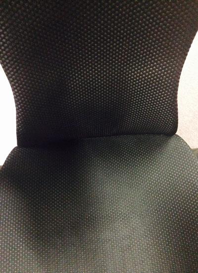 エンボディチェアの座面材質